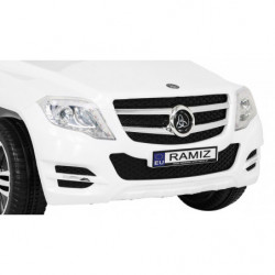 Duży Jeep z amortyzatorami...